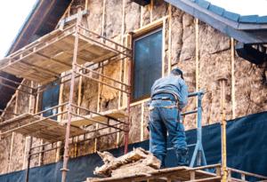 Milyen a jó homlokzatszigetelés? Ha megfelelően van elkészítve, megakadályozza az épület fizikai károsodását, valamint, hogy kiszökjön házából a meleg levegő.